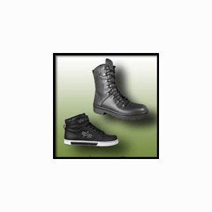 Bekleidung / Schuhe